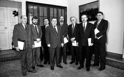 Luty, 1991 r. Inauguracyjne spotkanie Komitetu Doradczego Prezydenta RP Lecha Wałęsy. Andrzej Kostar