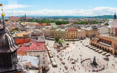 Turyści z dalekich krajów bardziej zainteresowani Polską