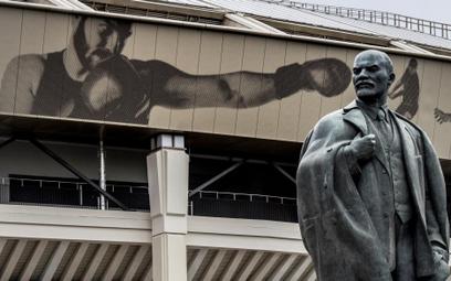 Pomnik Lenina przy stadionie Łużniki w Moskwie