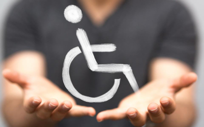Osoba niepełnosprawna zatrudniona na część etatu może pracować siedem godzin dziennie