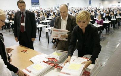 Egzaminy wstępne na aplikacje: adwokacką, radcowską, notarialną oraz komorniczą