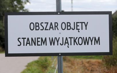 Sondaż: Polacy chcą dłuższego stanu wyjątkowego