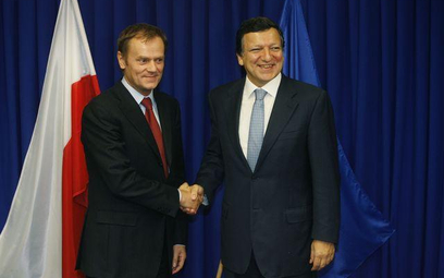 Tusk (z lewej) i Barroso