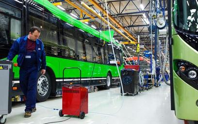 Słabnący polski rynek autobusów dobija wirus