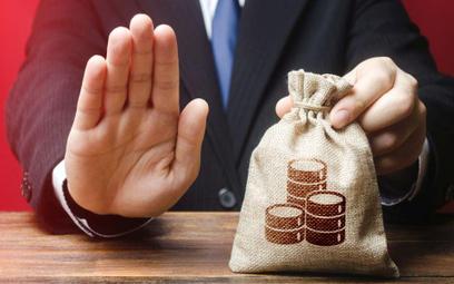 Banki są ostrożniejsze, dostępność kredytów mniejsza