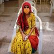 Indie, Bombaj. W oczekiwaniu na zastrzyk szczepionką Covaxin, którą stworzono w Indiach, nie doczeka