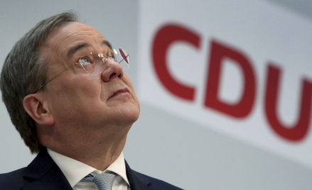 Nowy przewodniczący CDU Armin Laschet pragnie zostać następcą żegnającej się w tym roku z polityką M
