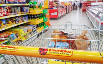 Bakterie salmonella i coli w mięsie z Biedronki. Produkty są wycofywane ze sklepów