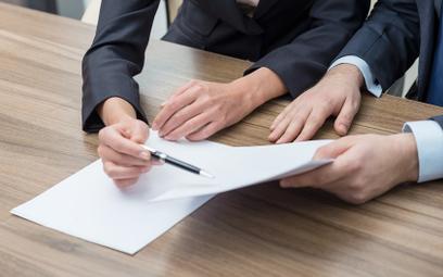 Odstąpienie od umowy kupna - sprzedaży środka trwałego - jak rozliczyć księgowo oraz podatkowo