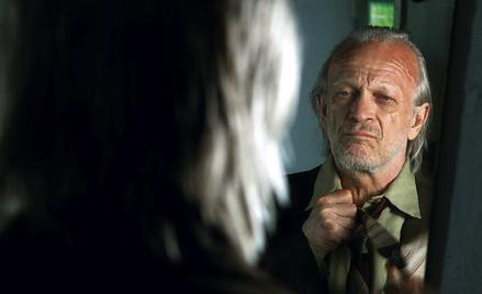 Wiesław Komasa jako filmowy Zaranek, który nie radząc sobie z wolnością, staje się oprawcą