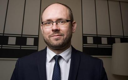 Marcin Przydacz: Każdy człowiek ma prawo do grobu