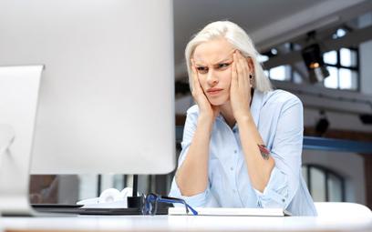 Praca zdalna mocno stresuje Polaków, ale nie chcą wracać do biur