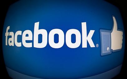 """Facebook się zmienia. Nie tylko """"lajki"""""""