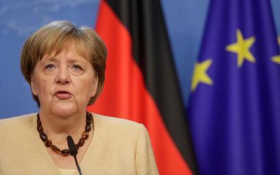 Merkel nadal przekonuje, że UE powinna rozmawiać z Putinem
