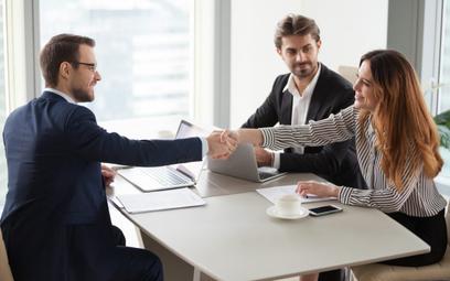 Małe i średnie firmy wybierają leasing. W Europie górą linia kredytowa