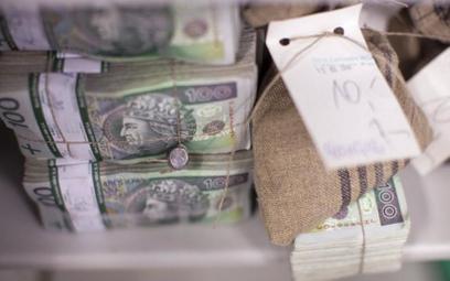 Ministerstwo Finansów sprzedało obligacje za ponad 12,7 mld zł i rozpoczęło proces prefinansowania potrzeb pożyczkowych na 2017 r.
