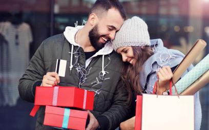 Przeglądamy płatnicze promocje na zakupy świąteczne