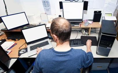 Jakie procedury przy zatrudnianiu programisty z Ukrainy czy Rosji