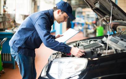 Jak zaksięgować wydatki na naprawę samochodu ciężarowego