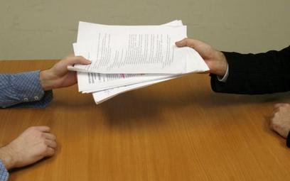 Zamówienia publiczne: skutki braku oświadczenia o prawach autorskich