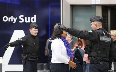 Francuzi dyskutują, jak chronić lotniska
