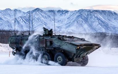 Transporter ACV podczas prób w warunkach zimowych. Fot./BAE Systems.