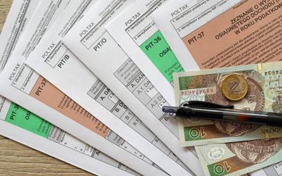 Milionerzy. Przybywa Polaków z wysokimi zarobkami; więcej osób zapłaci podatek solidarnościowy