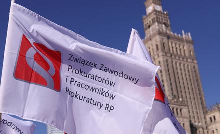 Protest pracowników sądów i prokuratury.