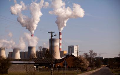 10 lat na mocne ścięcie emisji CO2. Zgoda UE na nowy cel klimatyczny