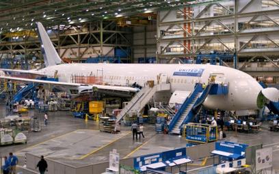 Boeing przyspieszy produkcję dreamlinerów