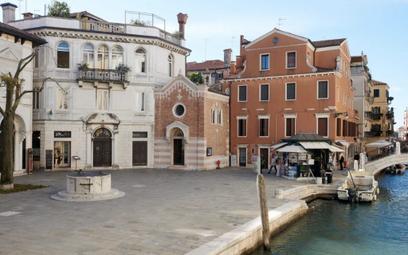 Kaplica w Wenecji zmieniona w willę. Widok z okna bezcenny