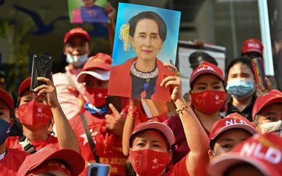 Birma: Armia wygrała, przegrało państwo