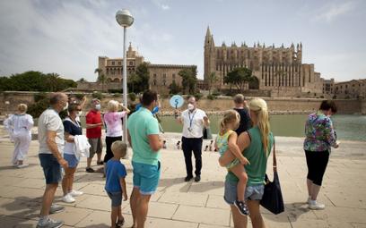 Lecisz do Hiszpanii? Już nie potrzebujesz testów ani paszportu covidowego