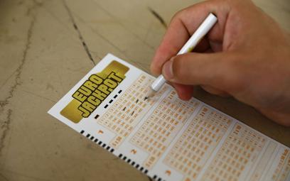 Rozbito kumulację w loterii Eurojackpot. Jeden ze zwycięskich kuponów nadano w Polsce. Gracz ze Śląs