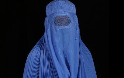Brytyjski komisarz policji: Policjantki mogłyby nosić burki