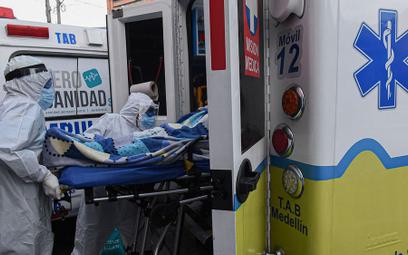 Co 15 sekund umiera człowiek zakażony koronawirusem