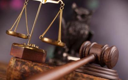 Wakaty w sądzie przyciągają coraz więcej adwokatów, radców, prokuratorów i notariuszy