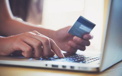 Ulgi w podatkach dochodowych i szybszy zwrot VAT za bezgotówkowe płatności elektroniczne