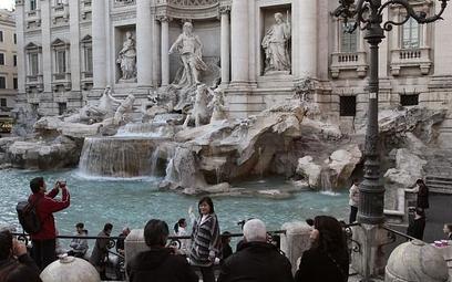 Turyści utopili 1,4 miliona euro w fontannie di Trevi