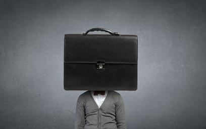 Jak skarżyć uchwałę ws. zwolnienia z pracy urzędnika posiadającego mandat radnego