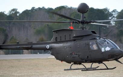 Uzbrojony śmigłowiec rozpoznawczy OH-58D już w greckich barwach, ale jeszcze w Stanach Zjednoczonych