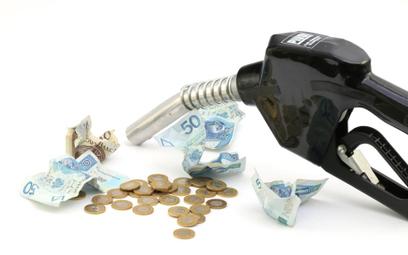 Ryczałt samochodowy obejmuje paliwo - interpretacja podatkowa