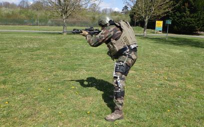 Armée de terre testują egzoszkielet pasywny