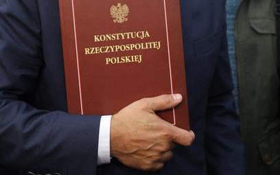 Marek Isański: O skutecznym naprawianiu błędów władzy ustawodawczej i sądowniczej