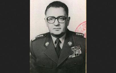 Gen. Florian Siwicki. Doszedł na szczyty armii i PRL-owskiej władzy