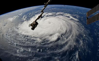 Widok na huragan z Międzynarodowej Stacji Kosmicznej ISS. Zdjęcie opublikował na Twitterze astronaut