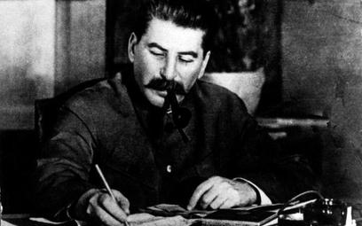 Józef Stalin był prawdopodobnie jedyną osobą w ZSRS, która dysponowała pełną wiedzą o Powstaniu Wars