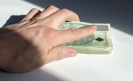 Według danych GUS, przeciętne wynagrodzenie brutto w sektorze przedsiębiorstw w sierpniu 2021 r. wyn