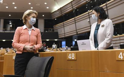 Strategii by nie było, gdyby nie osobiste zaangażowanie przewodniczącej KE Ursuli von der Leyen (z l