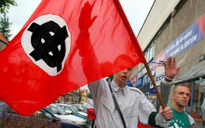 Demonstracja ONR w Myślenicach w lipcu 2005 r. ku pamięci Adama Doboszyńskiego, inicjatora antysemic